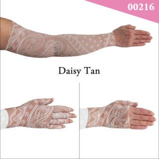 00216_Daisy_Tan